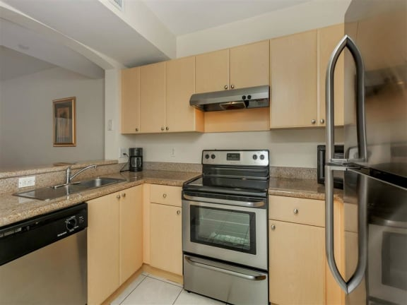 shamrock of sunrise fl apartments classic kitchen