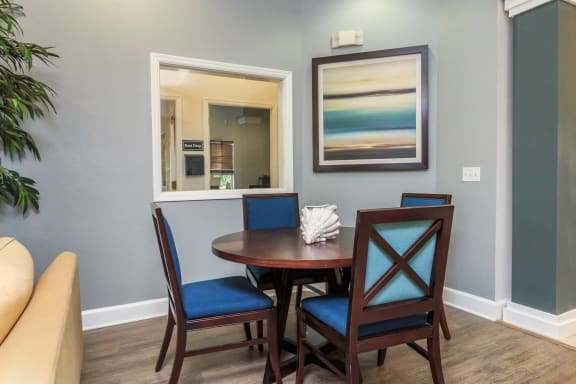 vero green apartments clubhouse interior