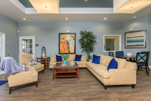 vero green apartments clubhouse seating