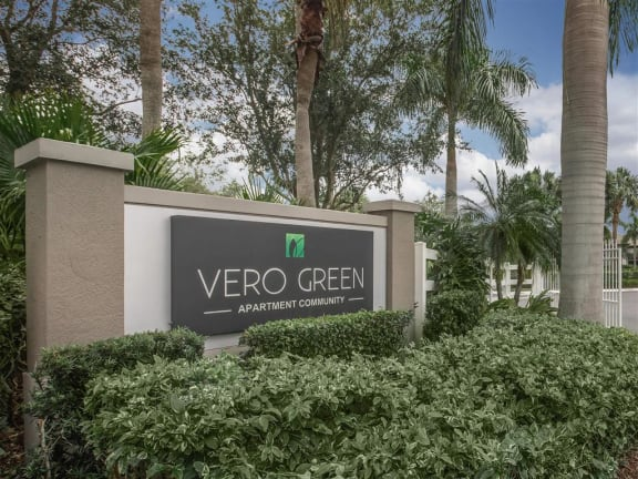 vero green apartments community sign