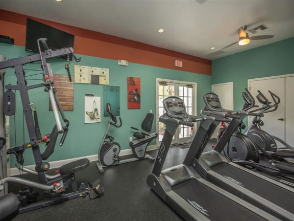 vero green apartments gym fitness center