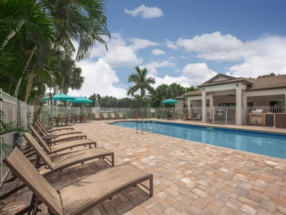 vero green apartments pool deck