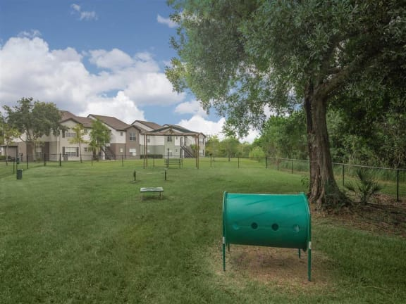 vero green bark park dog friendly apartments vero beach