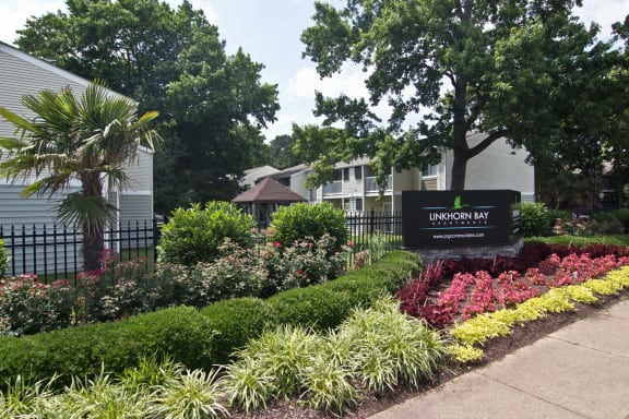 Elegant Entry Signage at Linkhorn Bay Apartments, Virginia