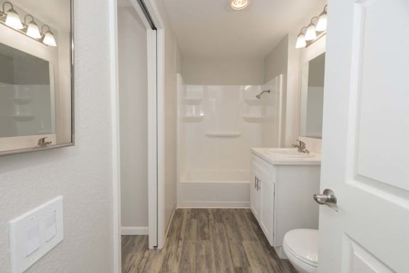 Luxurious Bathrooms at Del Norte Place Apartment Homes, El Cerrito
