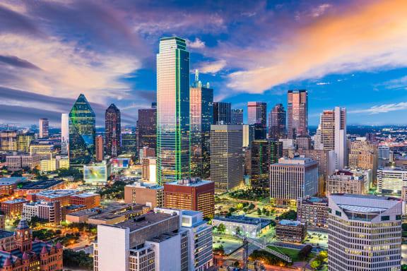 Dallas Skyline | Axis Kessler Park Apartments