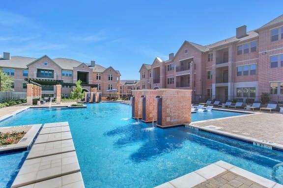 Waterfalls| Axis Kessler Park Apartments
