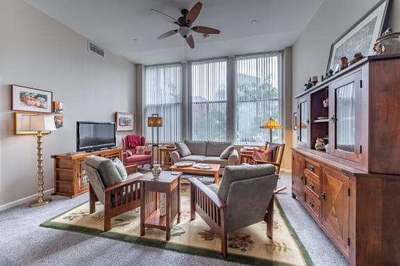 Classic Living Room Design With Television at Renaissance at the Power Building, Cincinnati, Ohio