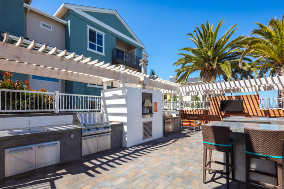 Outdoor Cucina, Pizza Oven, Grills and Alfresco Dining at Blu Harbor by Windsor, California, 94063