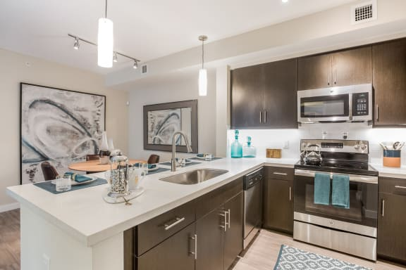 Well Equipped Apartment at Mirador at Doral by Windsor, 2541 NW 84th Ave, Doral
