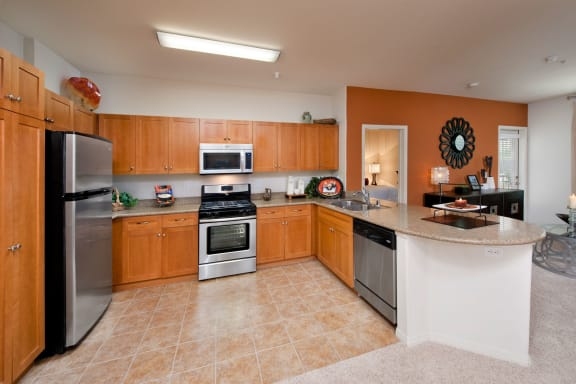 Upscale, Stainless Steel Appliances at Windsor Lofts at Universal City, Studio City, California