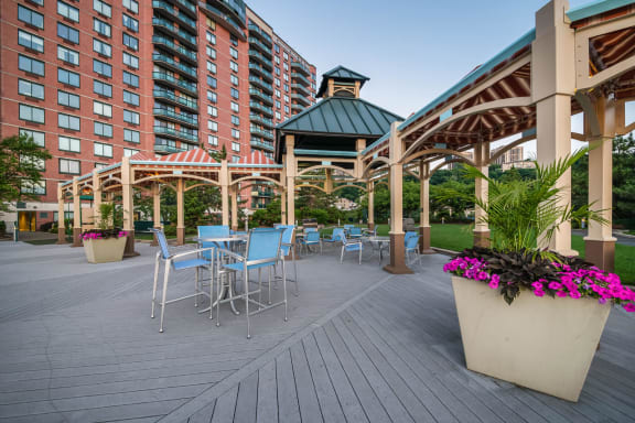 Enjoy the Outdoor Lifestyle at Windsor at Mariners, 100 Tower Dr., Edgewater