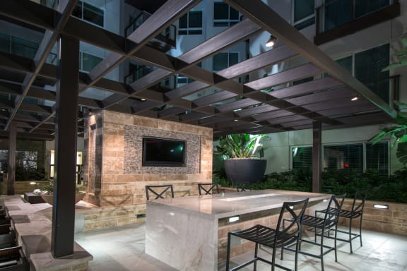 Outdoor Lounge with Grilling Space at 1000 Grand by Windsor, California, 90015