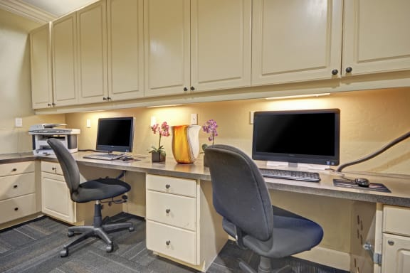 Business Center with Computers and Printers at Windsor at Aviara, Carlsbad, California