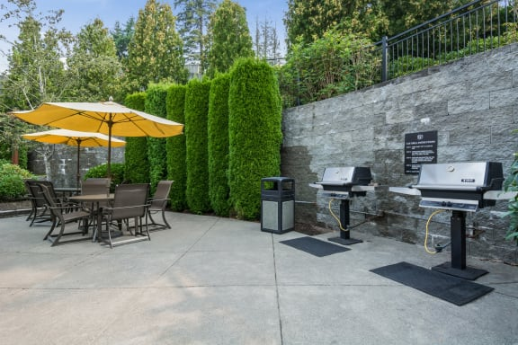 Community Grilling Stations at Reflections by Windsor,  Redmond, 98052