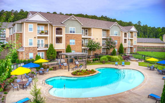 chenal pointe resort-style pool