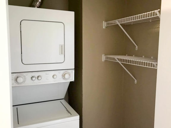 Park Towers Apartments in St. Louis Park, MN Washer and Dryer