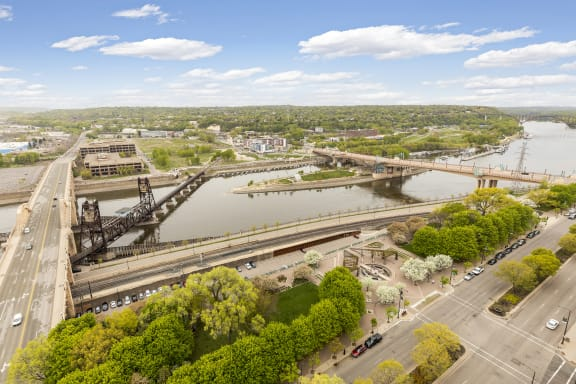 Kellogg Square Apartments in St. Paul, MN 2 Bedroom plus Den, 2 Bathroom Apartment River Views