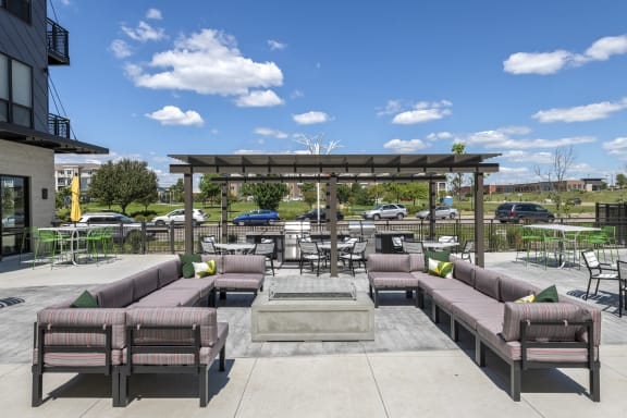 Nuvelo at Parkside Apartments in Apple Valley, MN Outdoor Pool Deck