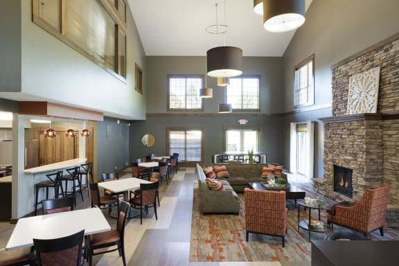 Regency Woods Apartments in Minnetonka, MN Community Room