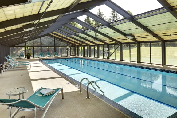 Regency Woods Apartments in Minnetonka, MN 4 Season Indoor Pool