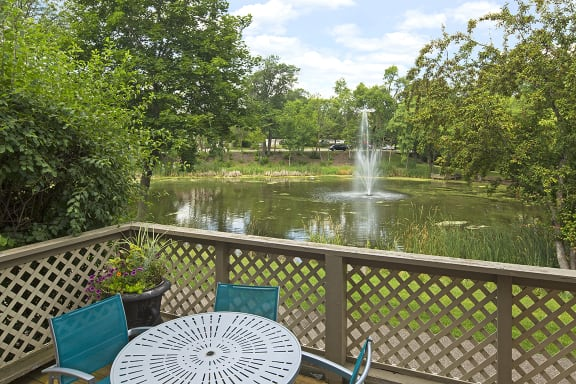 Regency Woods Apartments in Minnetonka, MN 30 Acres of Nature