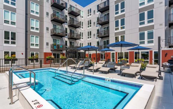 Luxury  Apartments Des Plaines with Roofdeck Pool-Elliison