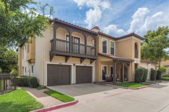 Attached and Detached Garages at Estancia Townhomes, Dallas, 75248