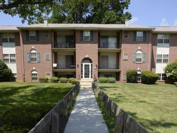 Grand Entry at Woodridge Apartments, 3901 Noyes Circle, Randallstown