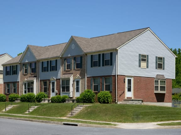 Walnut Grove Townhomes end unit front exterior