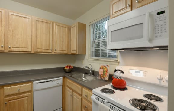 Full equipped eat in kitchen at Seven Oaks Townhomes