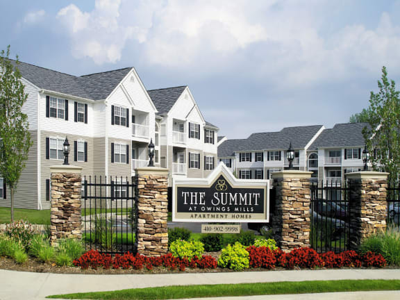 The Summit at Owings Mills Apartments monument sign