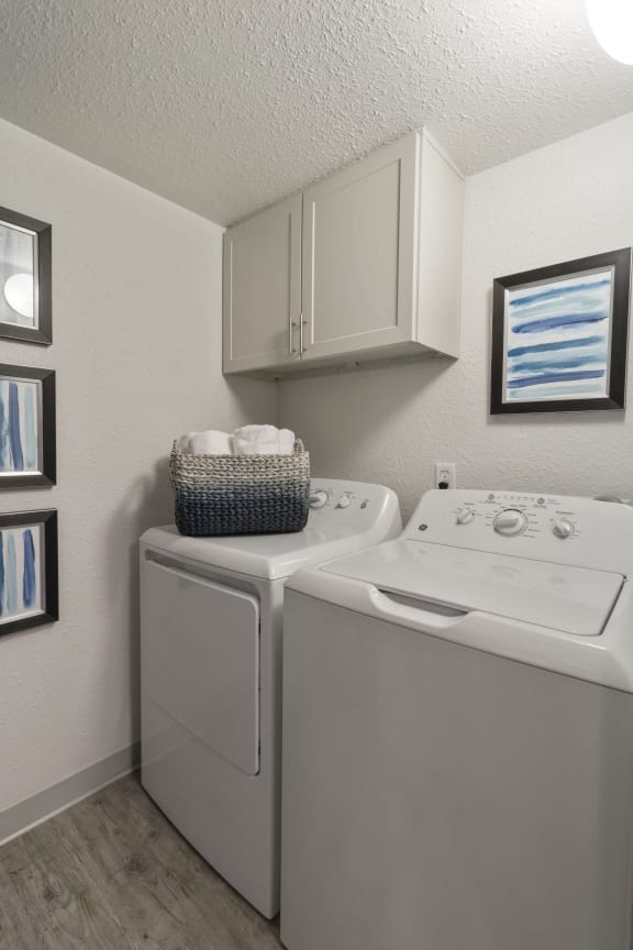Laundry Facility at Alvista Trailside Apartments, Colorado, 80110