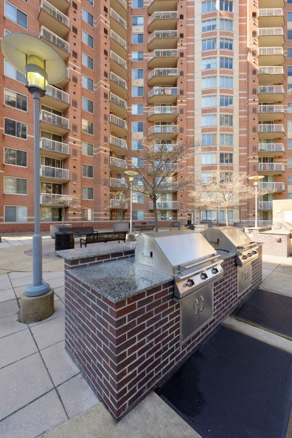 Building Exterior And Grills at Aura Pentagon City, Arlington, VA, 22202