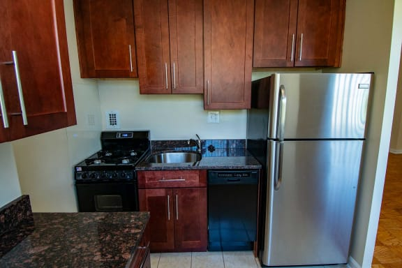 2112 New Hampshire Ave Granite Countertops