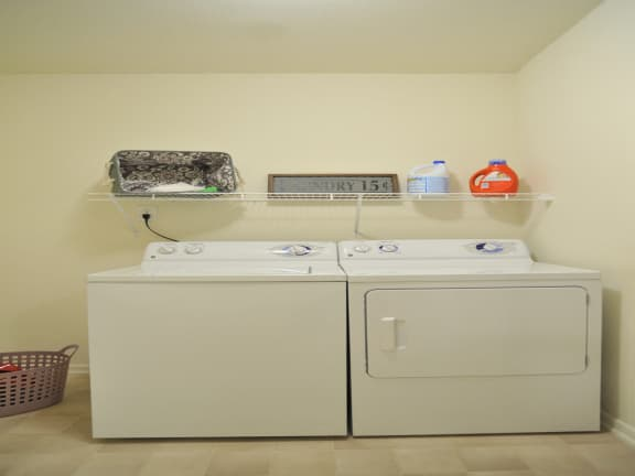 Washer And Dryer In Unit at Killian Lakes Apartments and Townhomes, Columbia