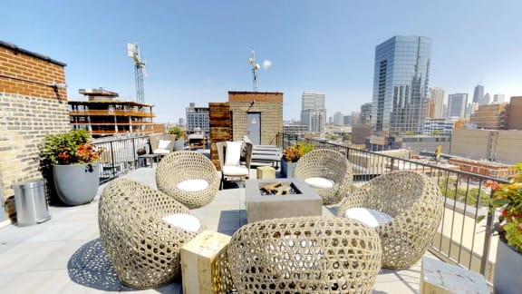 Roof Deck at the Lofts at Gin Alley, Chicago, IL 60607