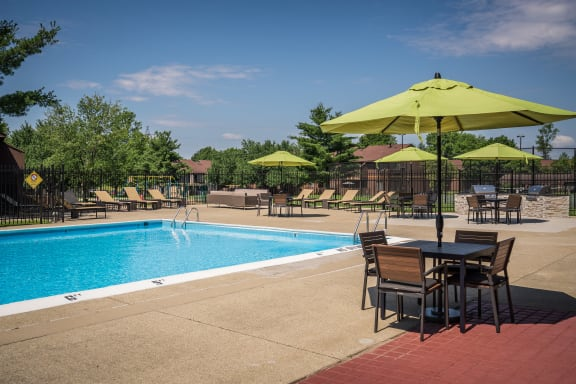 Pool at Woodbridge Apartments, Louisville, KY, 40242
