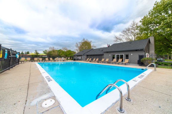 Crystal Clear Swimming Pool at Woodbridge Apartments, Kentucky