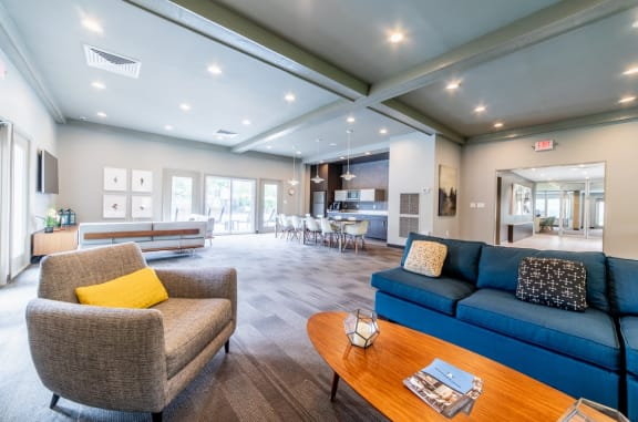 Large Community Clubhouse at Woodbridge Apartments, Kentucky, 40242