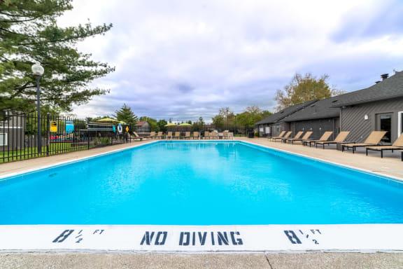 Outdoor Swimming Pool at Woodbridge Apartments, Kentucky, 40242