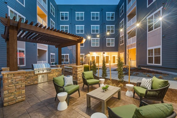 Outdoor BBQ Picnic and Patio at Colorado Springs Apartments near Target