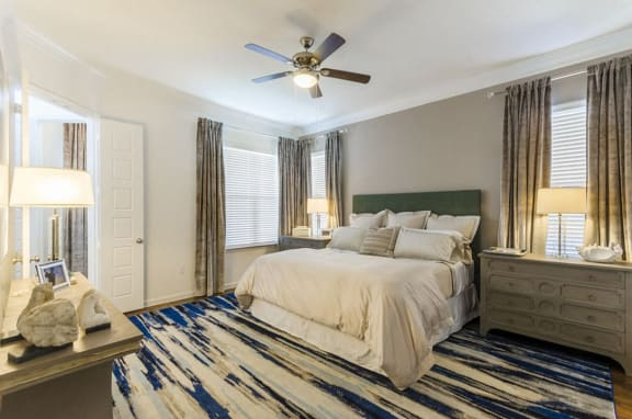 Beautiful Bright Bedroom at Mansions Lakeway, Lakeway, 78738