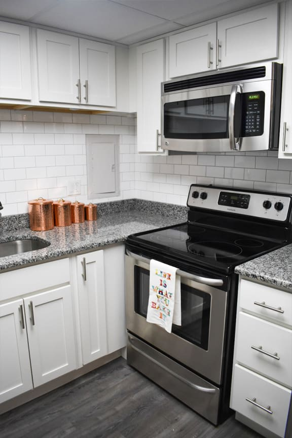 Updated Kitchen, Walnut Crossings Apartments, Monroeville, PA