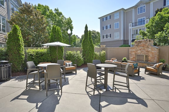 Outdoor Sitting Area at Sterling Magnolia Apartments, Charlotte, 28211