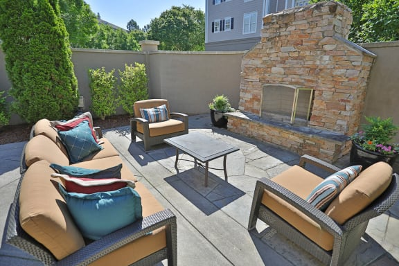 Courtyard Patio With Ample Sitting at Sterling Magnolia Apartments, Charlotte, North Carolina