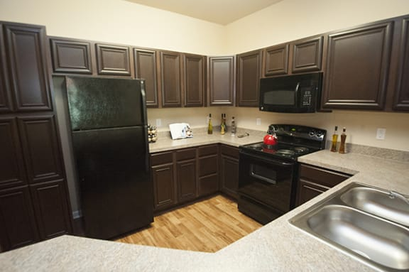 Fully equipped kitchen at The Enclave at Pamalee Square Apartments, Fayetteville, NC,28301