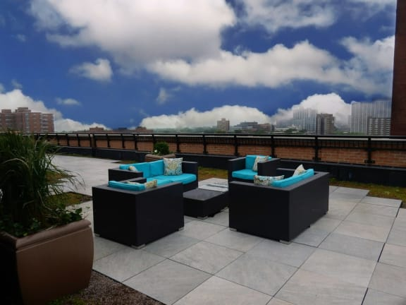 Rooftop Lounge at Somerset Place Apartments, Illinois
