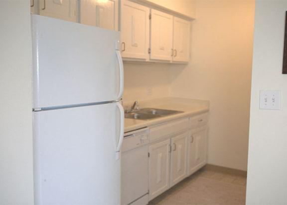 Kitchen Appliances at Woodmere Townhomes, Cedarburg, Wisconsin