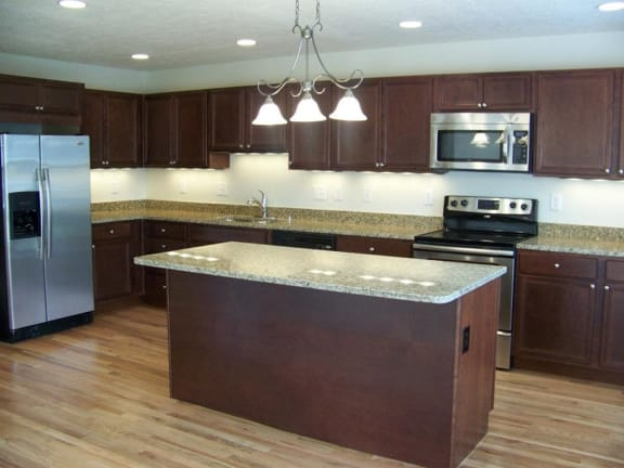 Granite Countertop Kitchen at Indian Creek Apartments, Cincinnati, OH, 45236